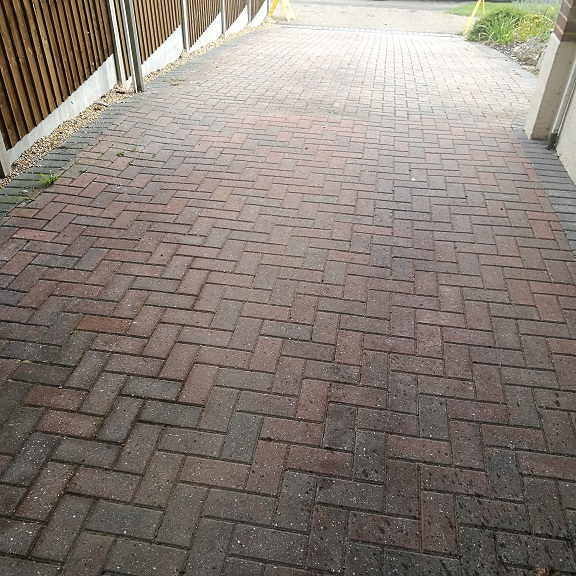 THLCO FERRYHILL DURHAM DRIVEWAY PATIO CLEANING